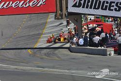 Sébastien Bourdais in the pit for a tire change