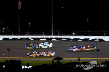 Joe Nemechek, NEMCO Motorsports Toyota, Travis Kvapil, Front Row Motorsports Ford, Kasey Kahne, Red Bull Racing Team Toyota, Brian Vickers, Red Bull Racing Team Toyota, Casey Mears, Germain Racing Toyota, Landon Cassill, Chevrolet