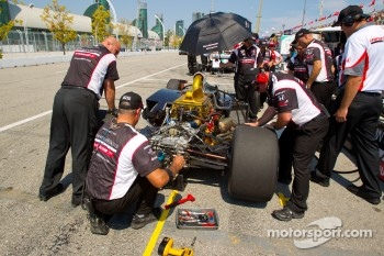 Alex Tagliani, Sam Schmidt Motorsports back in the pits with damage