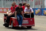 Track inspection for Scott Dixon, Target Chip Ganassi Racing
