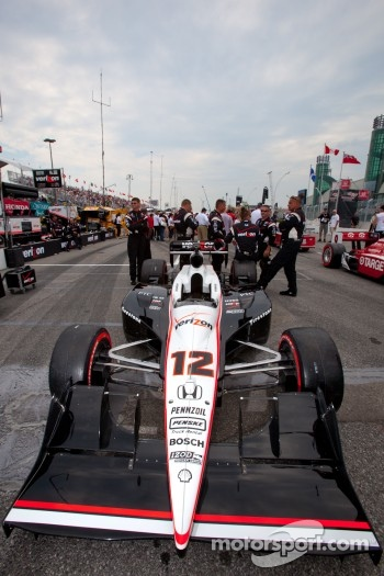 Pole winning car of Will Power, Team Penske on the starting grid