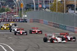 Esteban Guerrieri, Sam Schmidt Motorsports and Stefan Wilson, Andretti Autosport lead the field on pace laps