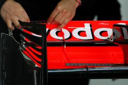 McLaren Mercedes mechanic, Technical detail, rear wing