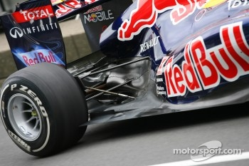 Rear suspension on the Red Bull