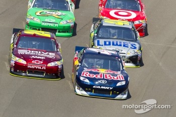 Kasey Kahne, Red Bull Racing Team Toyota and Jeff Gordon, Hendrick Motorsports Chevrolet lead the field on restart