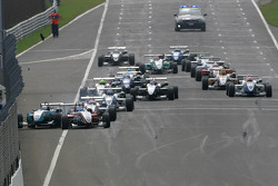 Start: Roberto Merhi, Prema Powerteam, Dallara F308 Mercedes, Daniel Juncadella, Prema Powerteam, Dallara F309 Mercedes