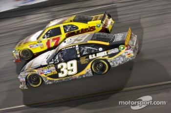 Matt Kenseth, Roush Fenway Racing Ford and Ryan Newman, Stewart-Haas Racing Chevrolet