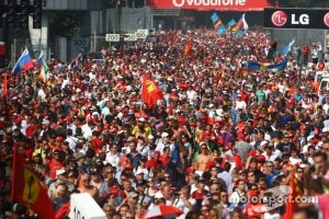 Bernie Ecclestone says that Monza will again host another scene like this in September