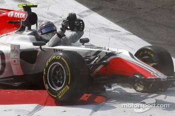 Vitantonio Liuzzi after his crash