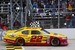 Race winner Kurt Busch, Penske Racing Dodge