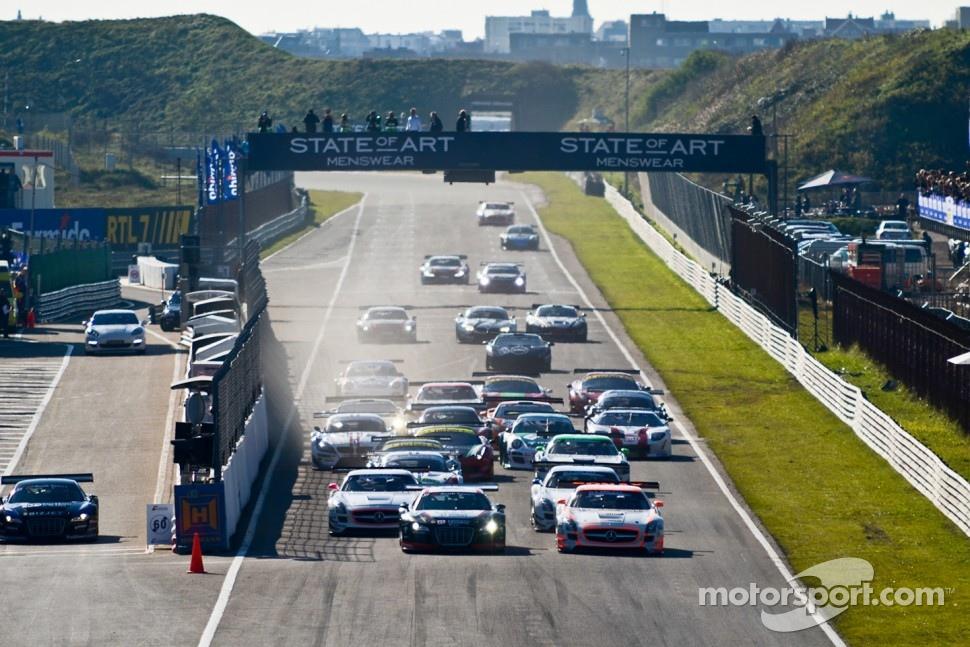 GT3 race start