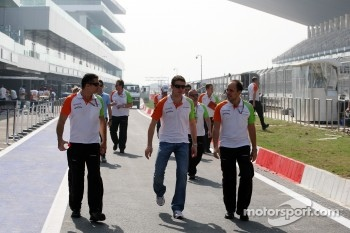 Paul di Resta, Force India F1 Team walks the track