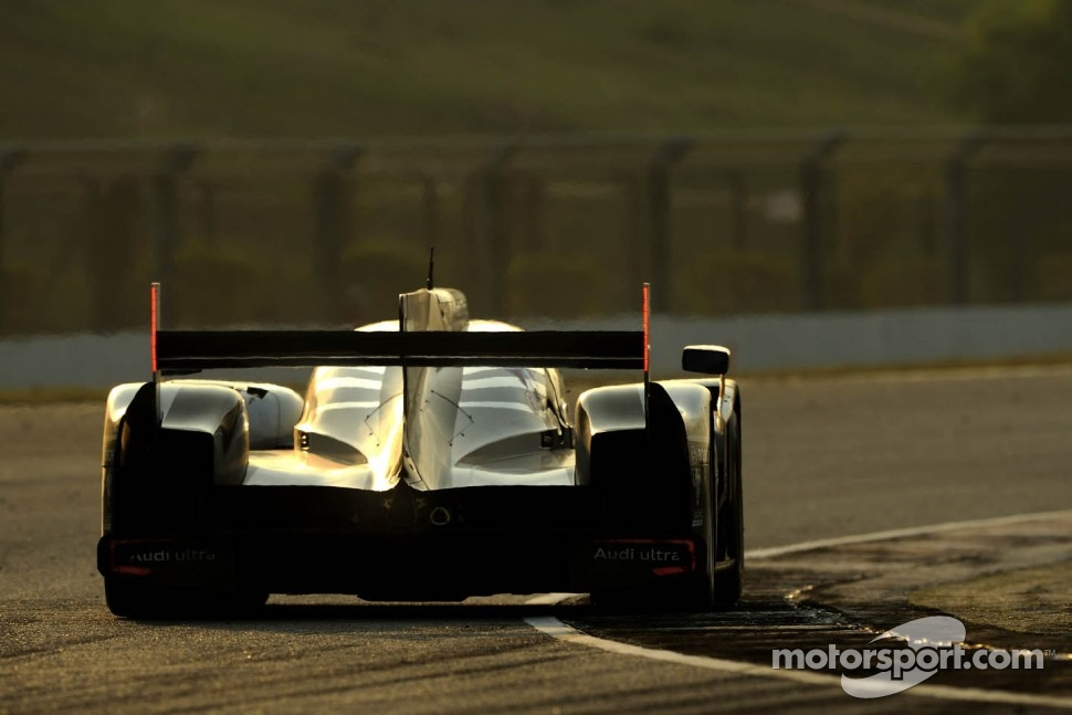 #2 Audi Sport Team Joest Audi R18 TDI: Tom Kristensen, Allan McNish