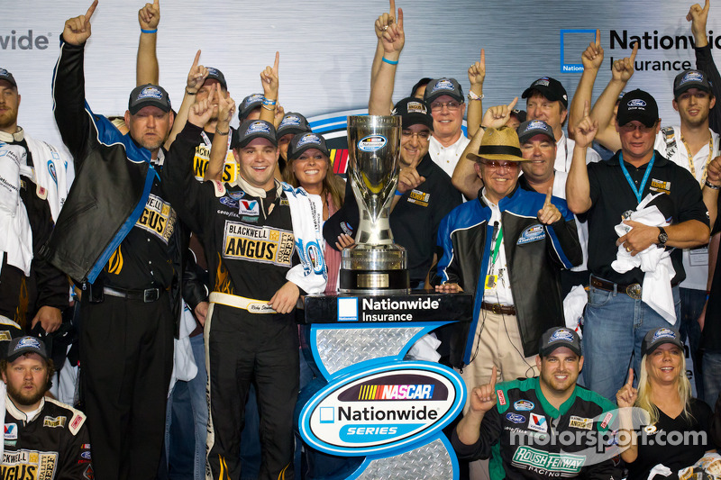Championship podium: NASCAR Nationwide Series 2011 champion Ricky Stenhouse Jr., Roush-Fenway Ford celebrates