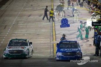 Pit stop for James Buescher, Turner Motorsport Chevrolet and Kevin Harvick, Kevin Harvick Inc. Chevrolet