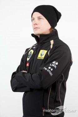 Kimi Raikkonen returns to F1 with Lotus Renault