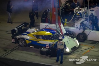 Pit stop for #2 Starworks Motorsport Ford Riley: Ryan Hunter-Reay, Scott Mayer, Miguel Potolicchio, Michael Valiante, Enzo Potolicchio, Marco Andretti