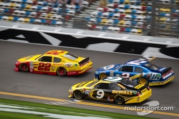 A.J. Allmendinger, Penske Racing Dodge, Brad Keselowski, Penske Racing Dodge, Marcos Ambrose, Petty Motorsport Ford