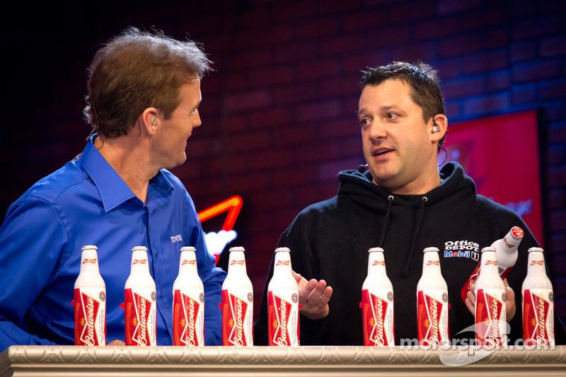 Kenny Wallace and Tony Stewart, Stewart-Haas Racing Chevrolet