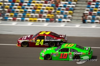 Jeff Gordon, Hendrick Motorsports Chevrolet, Danica Patrick, Stewart-Haas Racing Chevrolet