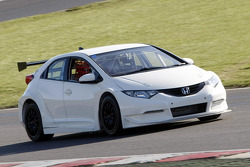 Honda Racing tests the new Honda Civic