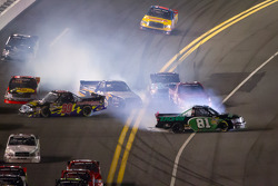 Parker Kligerman, Brad Keselowski Racing Dodge, Bryan Silas, T.3.R Motorsports Ford and David Starr, Toyota crash