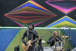 Pre-race show with Lenny Kravitz