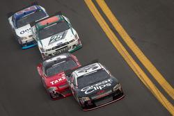 Kasey Kahne, Turner Motorsports Chevrolet leads Dale Earnhardt Jr., JR Motorsports Chevrolet