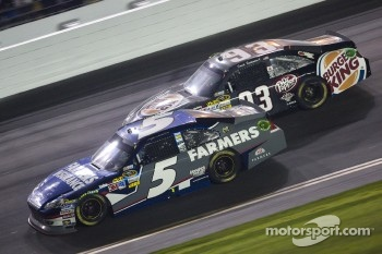 Kasey Kahne, Hendrick Motorsports Chevrolet and David Reutimann, BK Racing Toyota