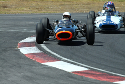 #1 Richard Attwood - BRM P261 F1 (1964) and #35 Doug Mockett - Cooper T53 (1961)