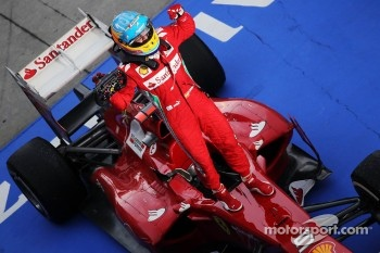 Race winner Fernando Alonso, Ferrari