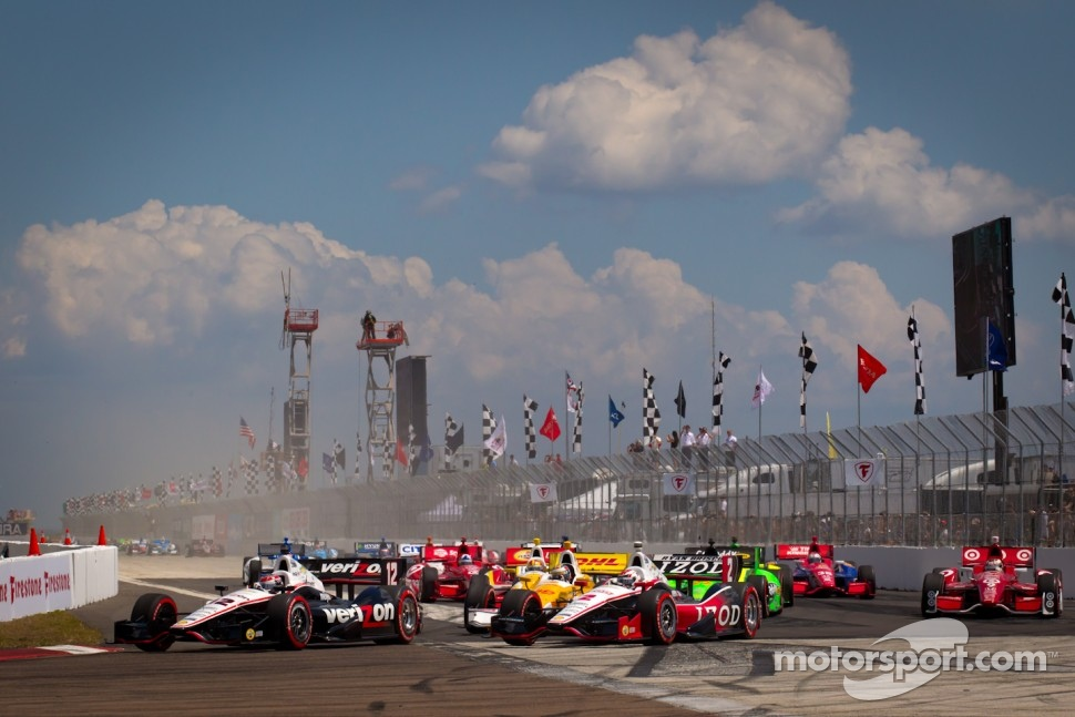 Start: Will Power, Verizon Team Penske Chevrolet leads the field