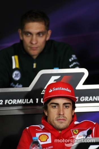 Fernando Alonso, Scuderia Ferrari and Vitaly Petrov, Caterham in the FIA Press Conference