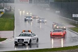 Safety car start due to poor weather
