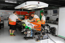 Sahara Force India F1 Team mechanics work on the Sahara Force India F1 VJM05