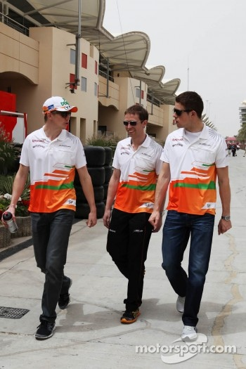 Nico Hulkenberg, Sahara Force India F1 with Will Hings, Sahara Force India F1 Press Officer and Paul di Resta, Sahara Force India F1