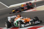 Paul di Resta, Sahara Force India Formula One Team leads Mark Webber, Red Bull Racing