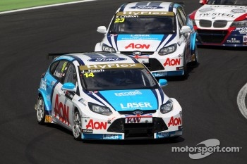 James Nash, Ford Focus S2000 TC, Team Aon and Tom Chilton, Ford Focus S2000 TC, Team Aon