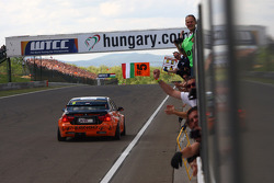 Norbert Michelisz, BMW 320 TC, Zengo Motorsport race winner