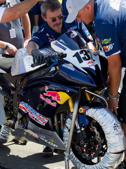 Road Race Factory/Red Bull Crew