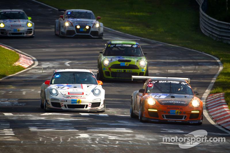 #14 Manthey Racing Porsche 911 GT3 Cup: Frank Kräling, Marc Gindorf, Peter Scharmach, Marco Schelp, #54 Porsche 911 GT3 Cup: Peter Schmidt, Rodney Forbes, Chris Zöchling, Guido Wirtz