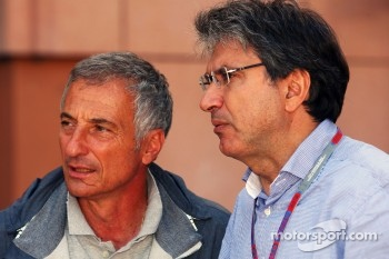 Riccardo Patrese, with Pasquale Lattuneddu, of the FOM