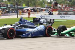 Alex Tagliani, Bryan Herta Autosport w/Curb Agajanian Honda and Simona De Silvestro, Lotus-HVM Racing