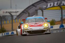 #79 Flying Lizard Motorsports Porsche 911 RSR: Seth Neiman, Darren Law, Spencer Pumpelly