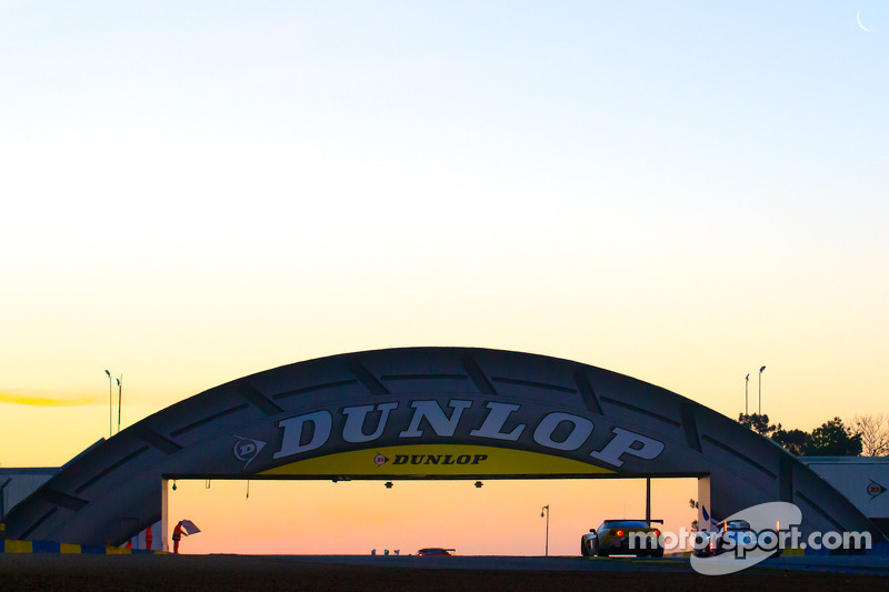 Sunrise at Dunlop corner
