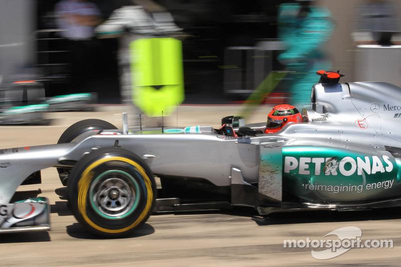 Nico Rosberg, Mercedes AMG Petronas pit stop