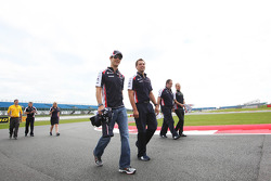 Bruno Senna, Williams walks the circuit