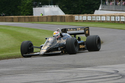Tom Kristensen in Lotus 98T