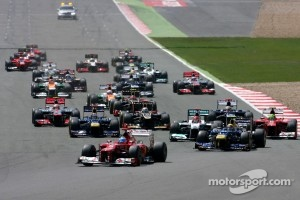Start of 2012 British GP at Silverstone