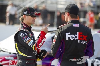Jeff Gordon, Hendrick Motorsports Chevrolet, Denny Hamlin, Joe Gibbs Racing Toyota